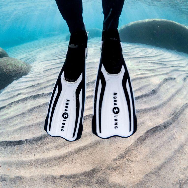 Amika Snorkeling Fins, White/Black, hi-res image number 3